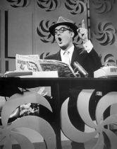 Steve Allen goofing on the headlines - The Steve Allen Show