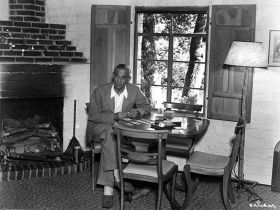 Boris Karloff at home c1930s Photo #2